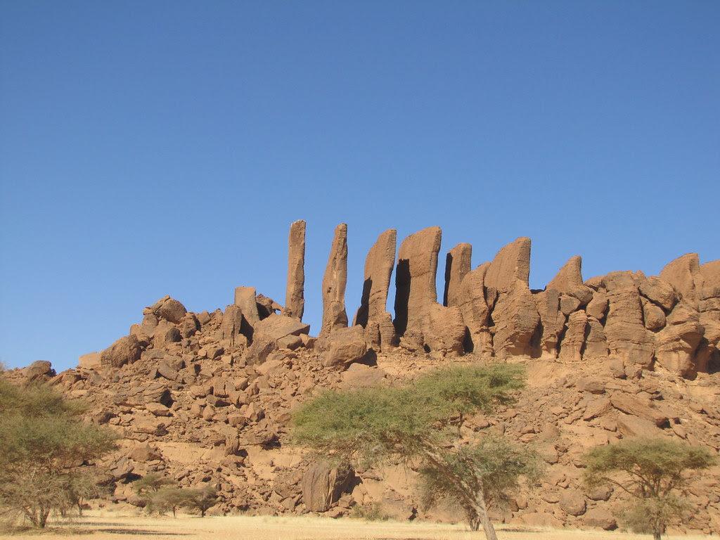 Ennedi. Por las colinas de Siniguiré. Rocas, agujas, ... erosión