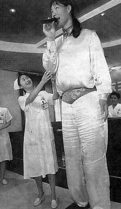 Cewek Ukuran Raksasa , Giant Women