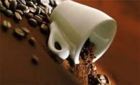 Κατακάθια από τον καφέ, δεν τα πετάμε. Χρησιμεύουν σε 10 πράγματα!
