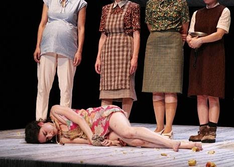 Dogville im Staatstheater Stuttgart