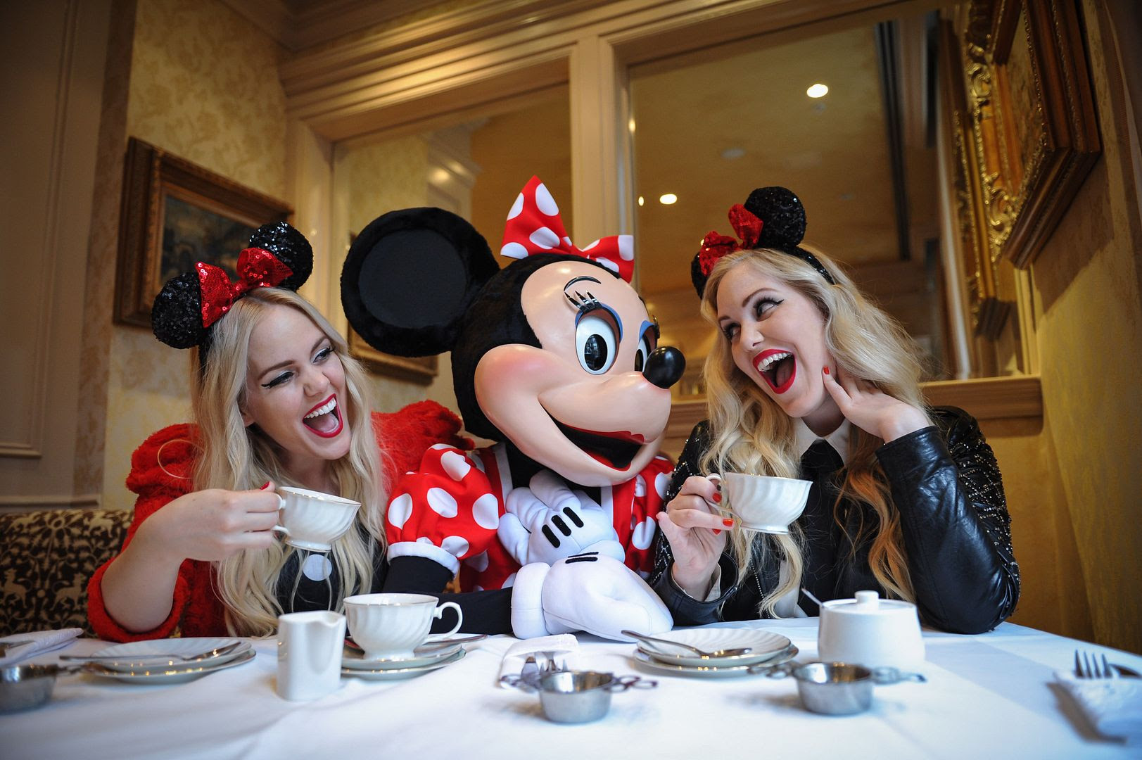 photo minniestyle-minniemouse-disney-beckermanblog-cailliandsambeckerman-disney-worldmastercardfashionweek-toronto-8_zps712581ac.jpg