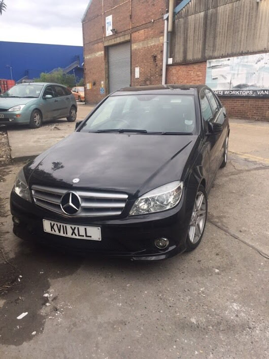 Mercedes-Benz C Class 2.1 C220 CDI BlueEFFICIENCY Sport 4dr from Lady Owner | in East London, London | Gumtree