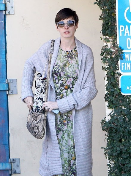 """""""Les Miserables"""" actress Anne Hathaway attends a breakfast business meeting in Brentwood, California on February 26, 2013."""