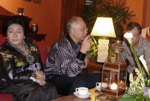 Najib Razak and Rosmah Mansor - Smoking Cigar