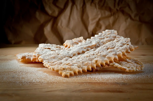 Chiacchiere of carnival typical dessert - Immobiliare Caserio resources