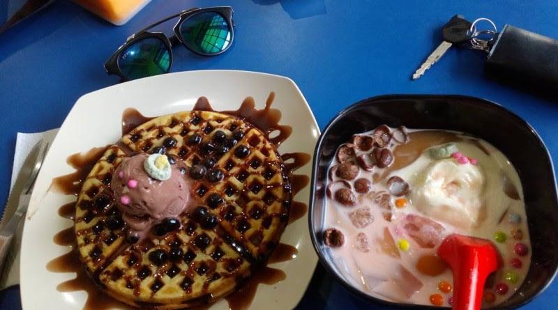 Unduh Kumpulan Gambar Es Krim Di Cafe