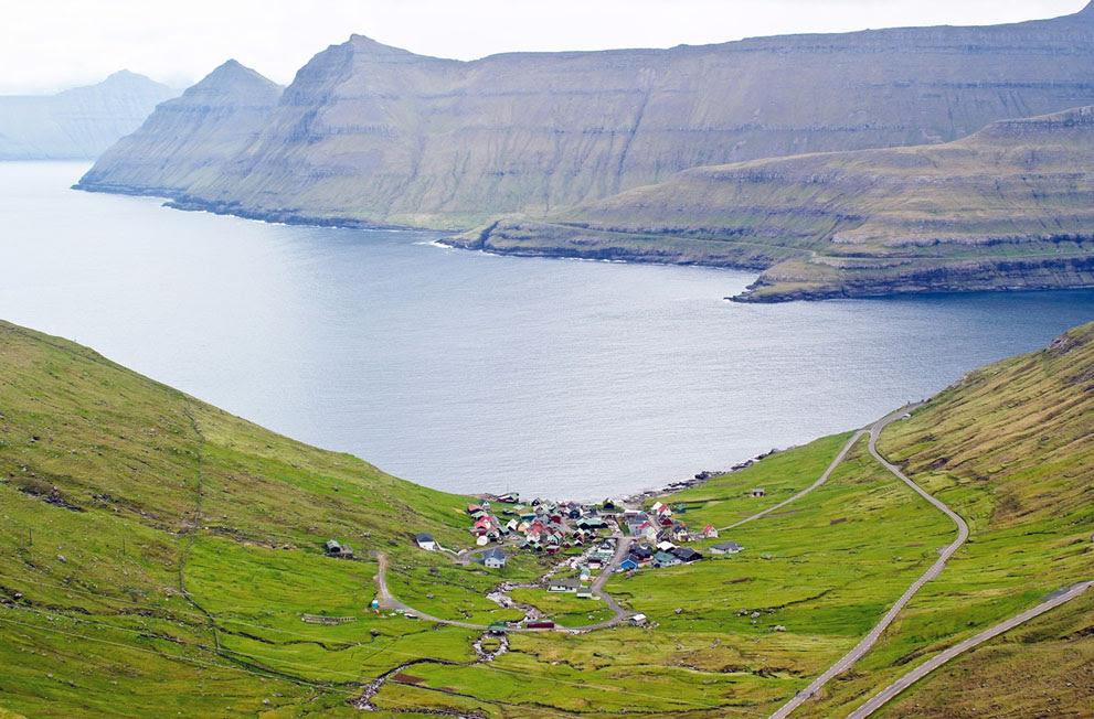To Funningur, ένα χωριό στη βορειοδυτική ακτή των Νήσων Φερόε.