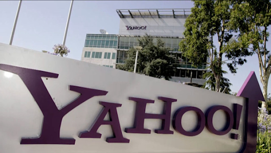 U.S. threatened Yahoo with huge fine over surveillance