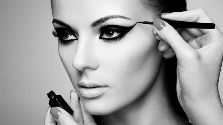 Eyeliner mistakes you're probably making