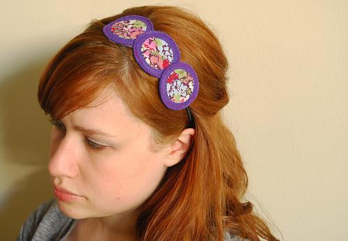 circle headband in action