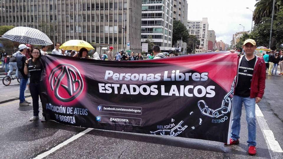 Ateos-Marcha-Orgullo-Gay-Bogotá-2016.jp