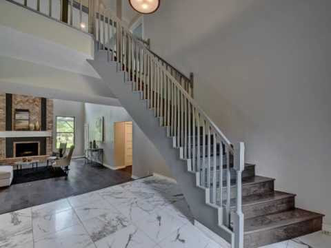 FOR SALE 21 Hedgebrook Way, Austin, TX 78738 Beautifully remodeled home in t...