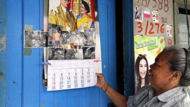 Dân Thái Lan treo ảnh vua ở nhà