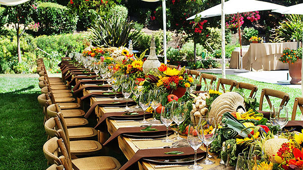 We Heart Outdoor Dinner Parties! - B. Lovely Events