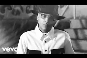 Darell, Farruko - Caliente (Official Video)