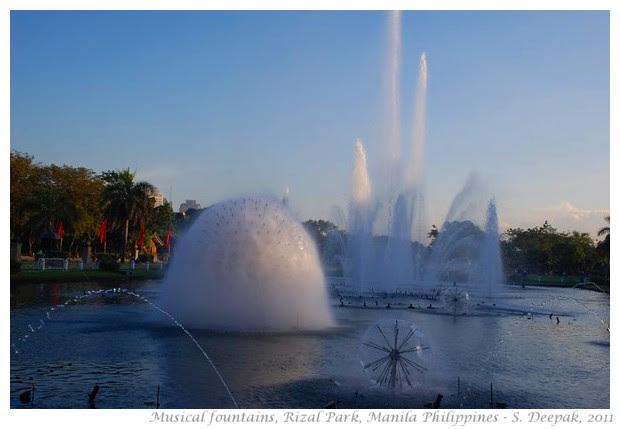 Musical fountain, Rizal Park, Manila - S. Deepak, 2011