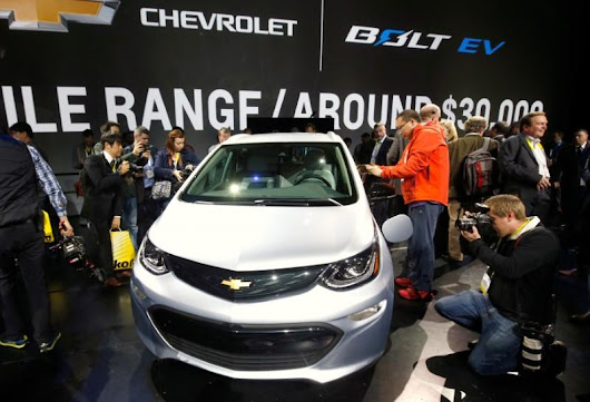 LG Chem sees GM selling over 30,000 Bolt electric vehicles next year | Reuters