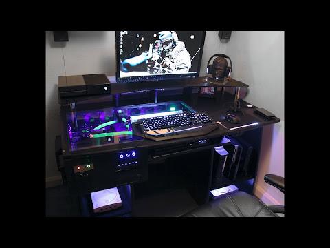 Gaming Pc In Desk