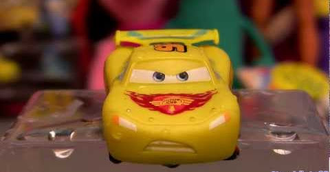 Cars Color Changers Lightning McQueen Changing Color from Yellow to Black Disney Pixar