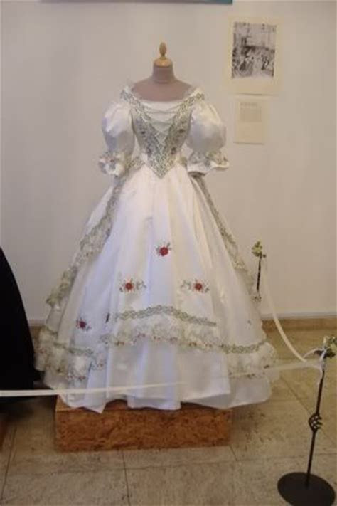 Dress of Empress Elisabeth of Austria   Royal Fashion