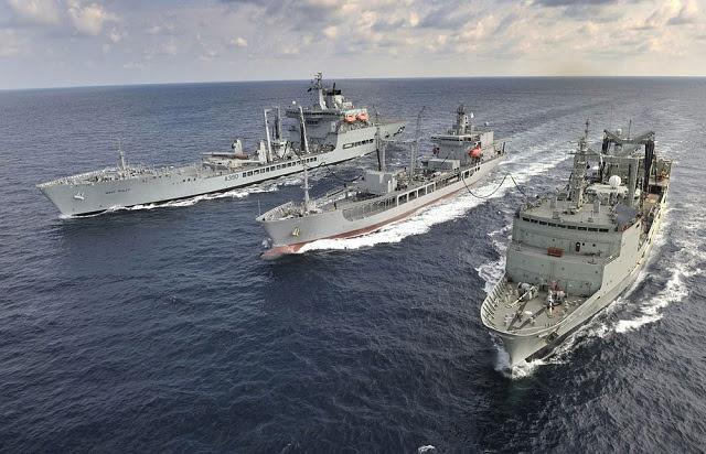 La Real Armada de Nueva Zelanda es comprar un nuevo buque cisterna que permitirá a la Fuerza de Defensa de Nueva Zelanda (NZDF) para expandir el alcance de sus operaciones en el Pacífico Sur, el ministro de Defensa Jonathan Coleman, dijo el miércoles. El nuevo buque reemplazaría petrolero actual de la marina de guerra, HMNZS Endeavour, que llegará al final de su vida útil en 2018 y dejaría de cumplir con las nuevas regulaciones marítimas internacionales, dijo Coleman en un comunicado.
