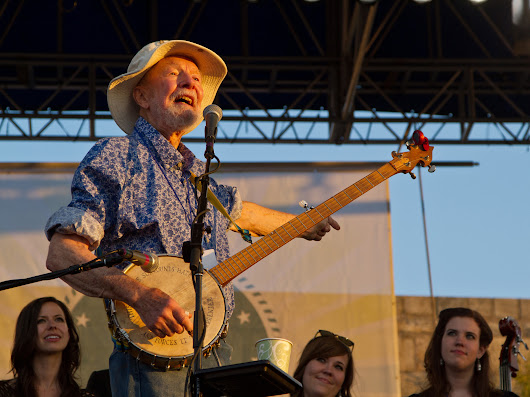 Pete Seeger, Folk Music Icon And Activist, Dies At 94