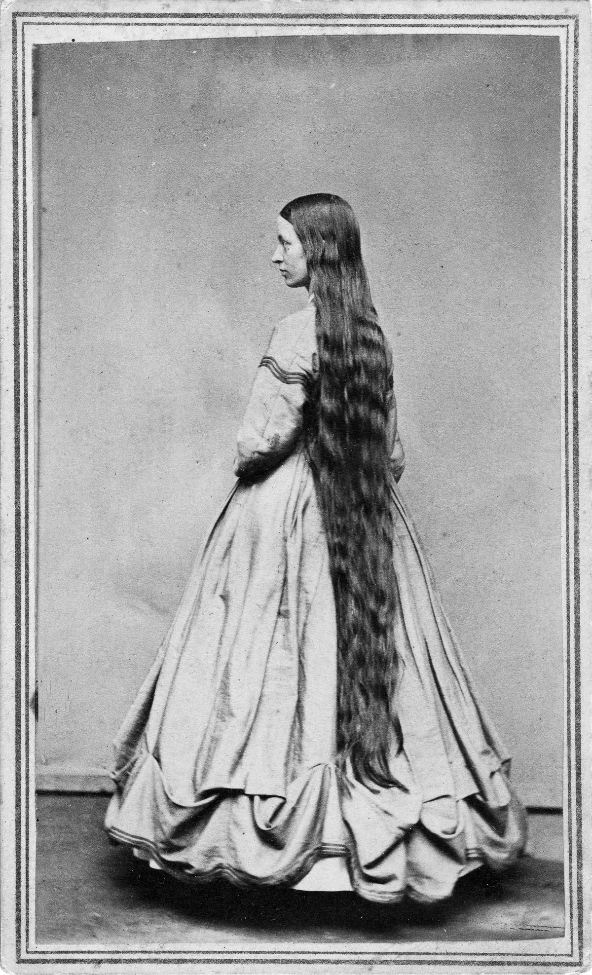 As mulheres vitorianas que nunca cortavam o cabelo 09