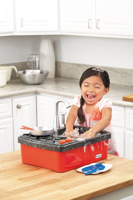 Little Tikes Splish Splash Sink & Stove Review - Mommy Today Magazine