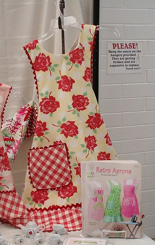 mom me and dolly too aprons