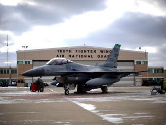 Испытание F-16 биотопливом. Фото с сайта af.mil