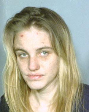 Kara Vandereyk foi presa acusada de fazer sexo com um pitbull (Foto: Divulgação)