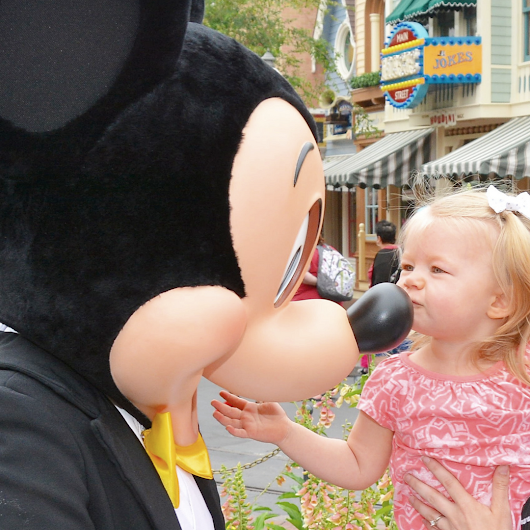 Disneyland Prep Series: Pregnant Moms & New Babies - Magical DIStractions