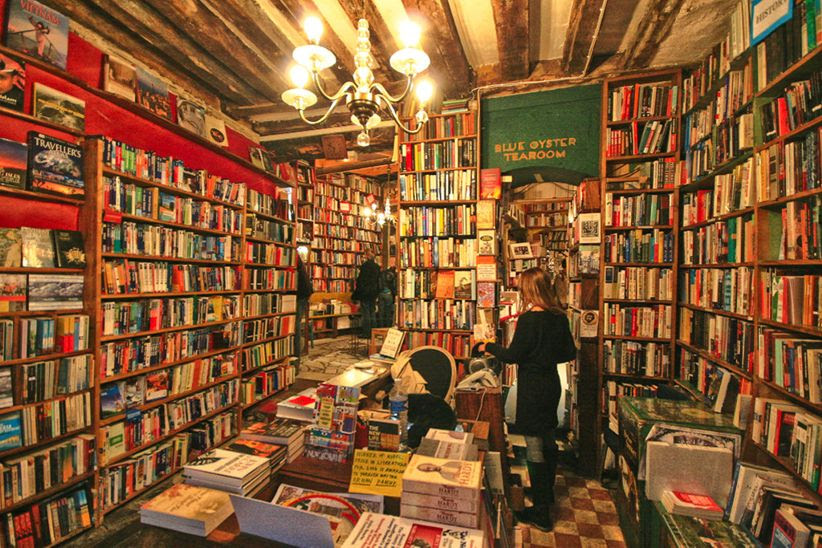 shakespeare and co bookstore