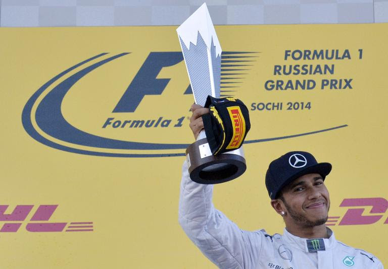Hamilton seeks to divert attention from F1s problems