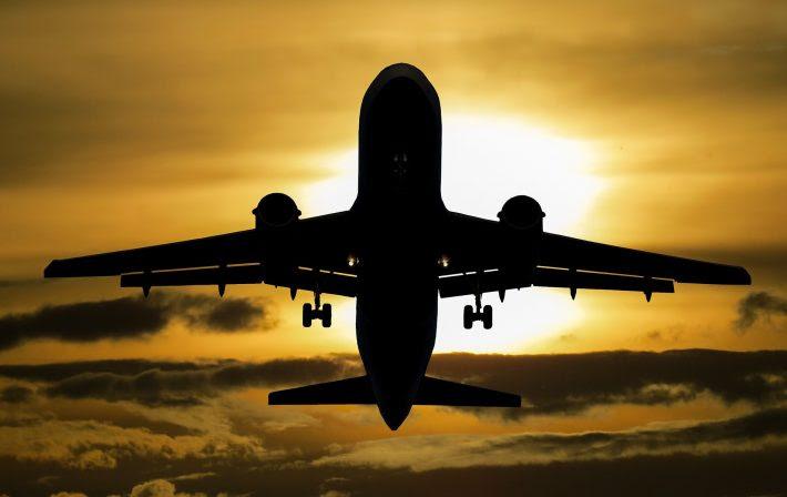 Resultado de imagem para Justiça manda aérea indenizar passageira com deficiência física impedida de continuar no avião