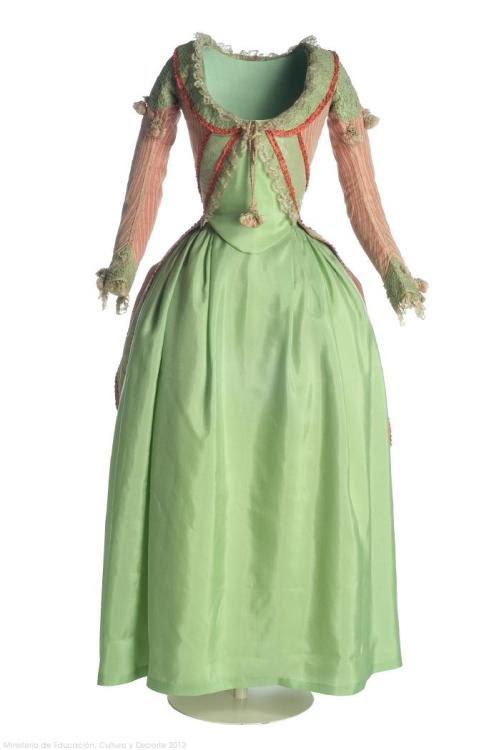 Dress 1780s Museo del Traje