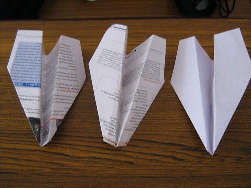 Open paper aeroplane design