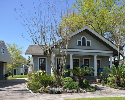 Bungalow Reorientation - Craftsman - Exterior - Houston - by Morningside Architects LLP