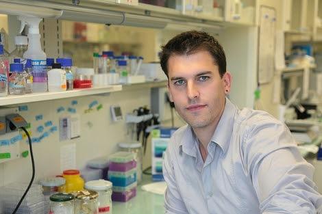 Arkaitz en su laboratorio del País Vasco.| CIC bioGUNE