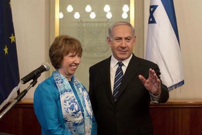 La jefa de la diplomacia europea, Catherine Ashton, se reúne con el primer ministro israelí, Benjamin Netanyahu, en Jerusalén.