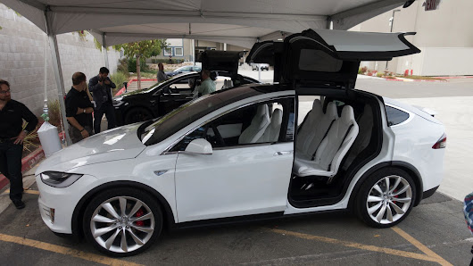 A customer was so annoying that Tesla decided not to sell him a car