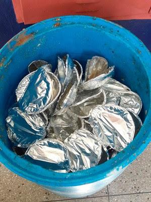 Preso ficou escondido no fundo do tambor de lixo em presídio de Natal (Foto: Divulgação/Coape)