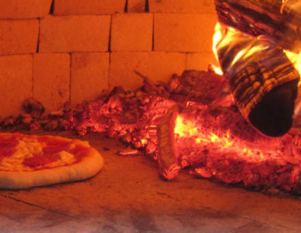 A traditional wood burning Pizza Oven - a Perfect Choice