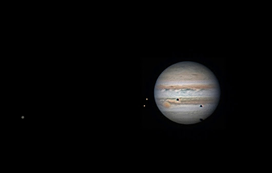 APOD: 2013 November 2 - Jupiter s Triple Shadow Transit