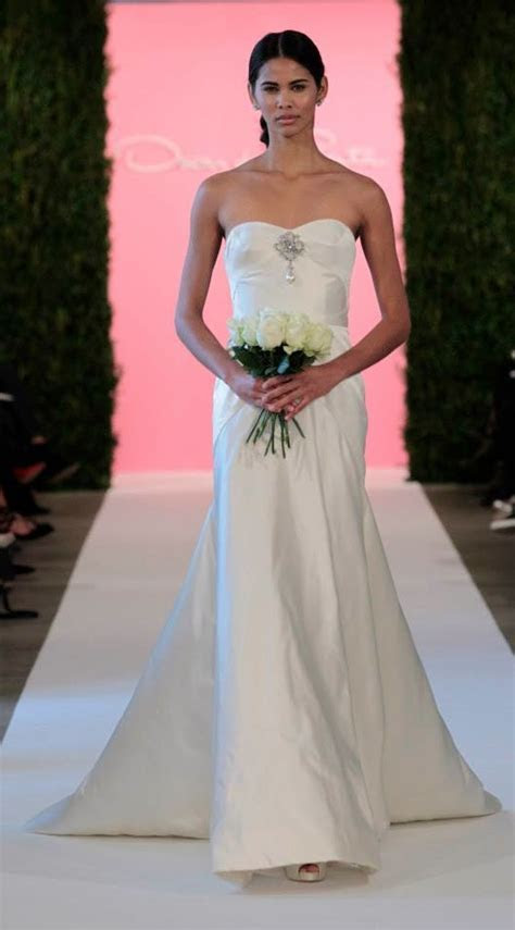 Oscar de la Renta Bridal Spring 2015 Wedding Dresses