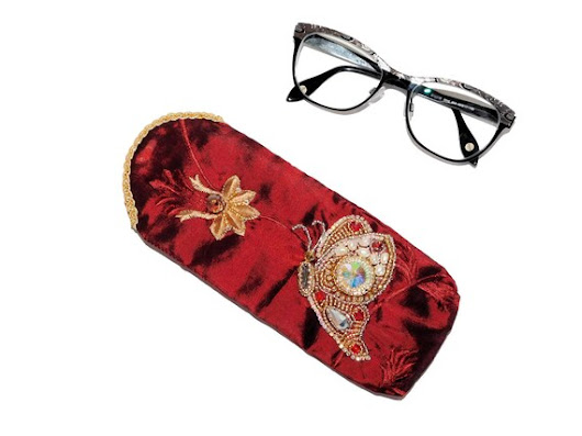 Free shipping USA & Canada. Eyeglasses Case with Bead