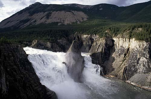 parque nacional nahanni El misterioso valle de los cadáveres sin cabeza
