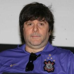 Marcelo Rubens Paiva foi a primeira pessoa de São Paulo a receber a licença que autoriza deixar o carro em espaços dedicados a portadores de deficiência