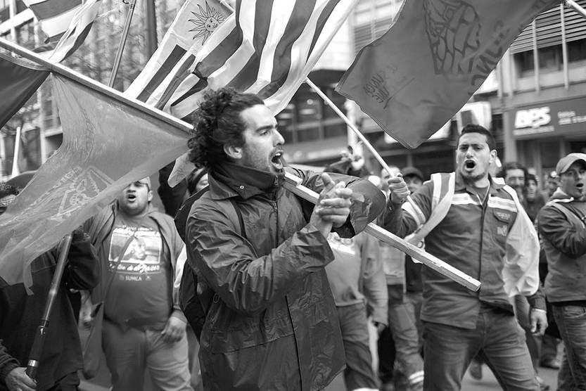 Movilización del Sindicato Único Nacional de la Construcción y Anexos, ayer, en 18 de Julio. Foto: Pablo Vignali