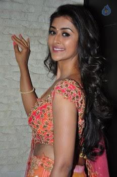 Pooja Jhaveri Photos - 13 of 42